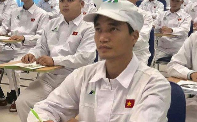 Hình ảnh Lệ Rơi trong trang phục công nhân được chia sẻ trên mạng thu hút sự chú ý.