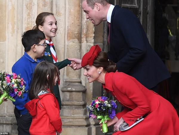 Hình ảnh hạnh phúc của vợ chồng William - Kate.