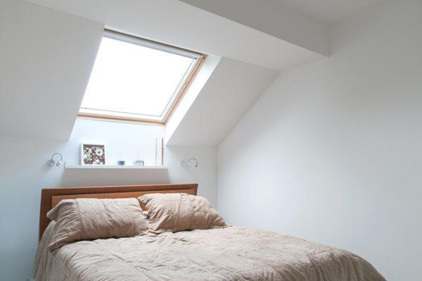 Tầng gác mái có 3 phòng ngủ, 1 phòng tắm, là khu vực nghỉ ngơi của cả gia đình.