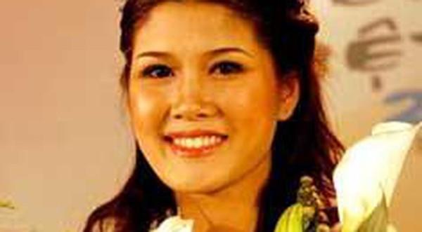 Minh Thu đăng quang Hoa hậu miền biển Việt Nam.