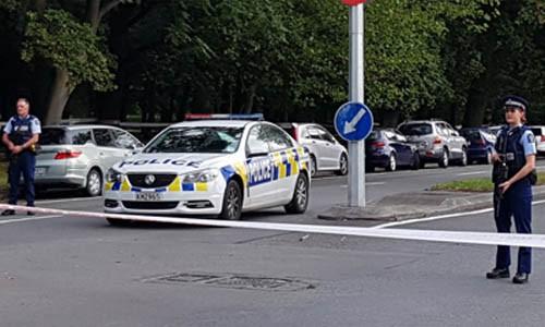 Cảnh sát phong tỏa hiện trường vụ xả súng tại một nhà thờ Hồi giáo ở thành phố Christchurch, New Zealand hôm nay.
