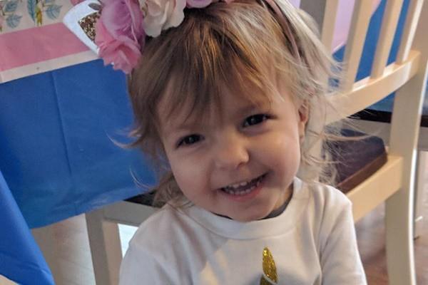 Bé Kenni đã được phẫu thuật vào ngày 18 tháng 2 và bắt đầu hóa trị vào ngày 27 tháng 2.