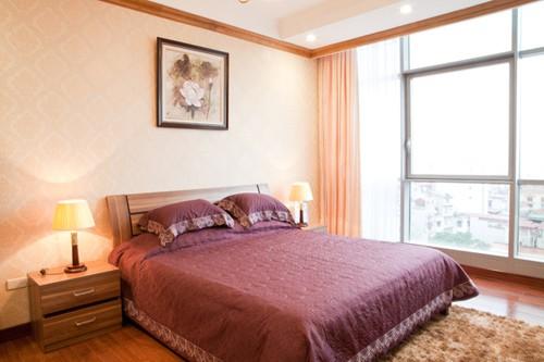 Mai Phương Thúy chia sẻ, cô muốn có một căn hộ trên tầng cao, nhiều ánh sáng, yên tĩnh và riêng tư để có thể tự do trang trí, bày biện và tận hưởng khoảng riêng tư theo ý của mình.