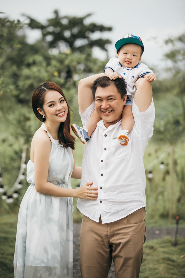 Gia đình Dương Cẩm Lynh khi còn hạnh phúc.