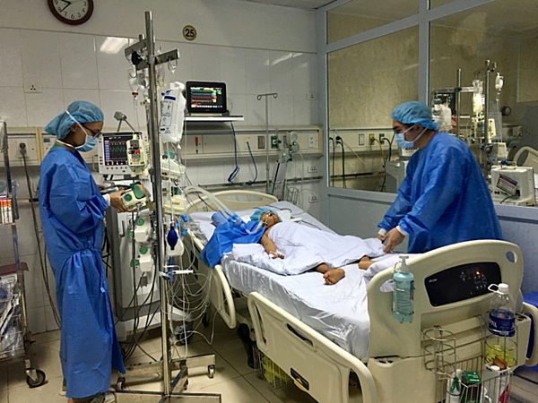 Một phần nhỏ lá gan của anh Chính được ghép cho bệnh nhi 8 tuổi ở Hà Nội