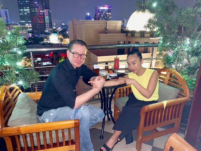 Đoan Trang và ông xã Johan.