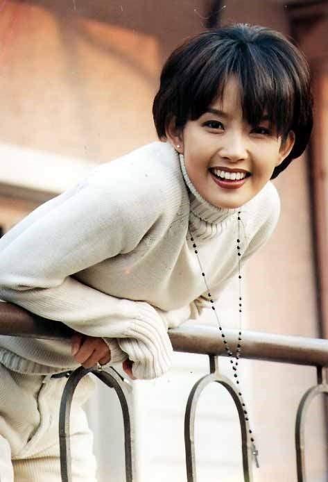 Theo đó, nguyên nhân khiến Choi Jin Sil tự sát vì những áp lực từ gia đình, dư luận.