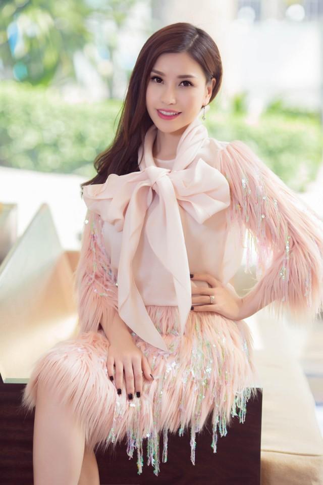 Hoa hậu Lam Cúc
