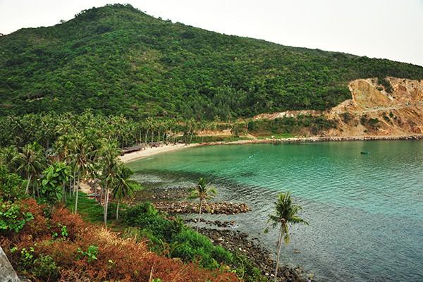 Bãi tắm Cây Mến, một trong những bãi đẹp nhất của Nam Du.