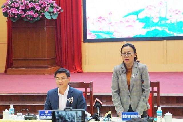 Trưa 23/6, UBND TP. Uông Bí tổ chức thông tin vụ việc xảy ra tại chùa Ba Vàng đến các cơ quan báo chí. Ảnh: M.Lý