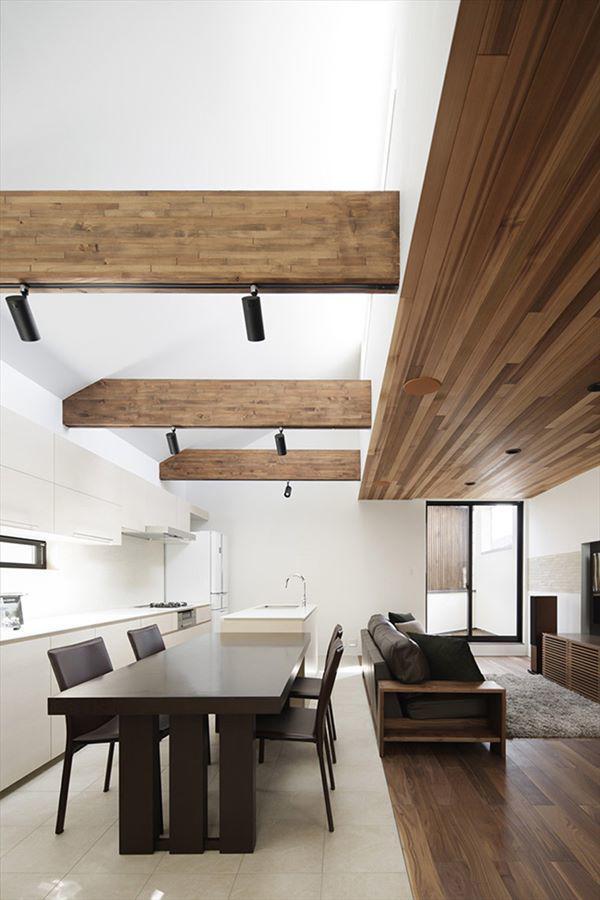 Hệ thống chiếu sáng trên trần nhà được thiết kế lạ mắt