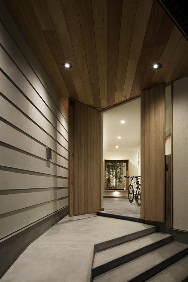 Ngôi nhà được chia thành nhiều không gian cho các hoạt động hàng ngày khác nhau của gia đình