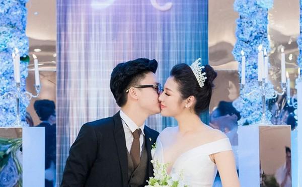 Hình ảnh hạnh phúc của Tú Anh trong đám cưới.