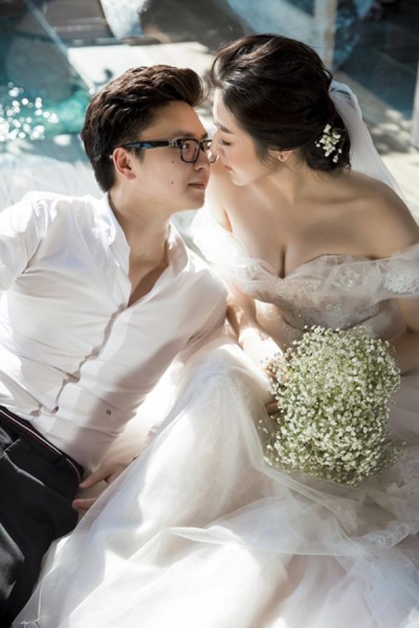 Chồng thường có những món quà lãng mạn hay những hành động quan tâm khiến Tú Anh lịm tim.