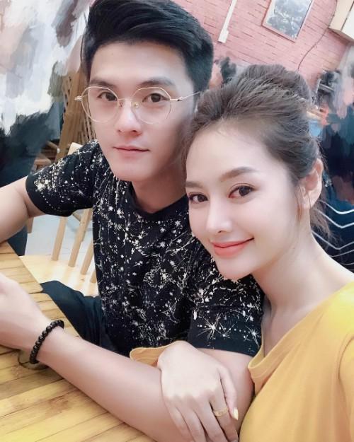 Linh Chi - Lâm Vinh Hải là một cặp đôi dính nhiều thị phi.