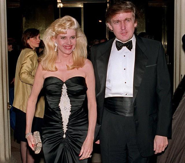 Từ xưa đến nay, Tổng thống Donald Trump vẫn ưa chuộng những mẫu suit phom dáng thoải mái, thể hiện sự chững chạc của người đàn ông.