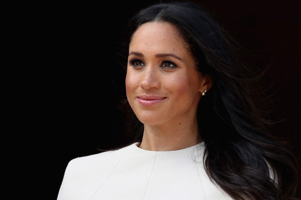 Hiện tại, cô đang được hoàng gia Anh lên tiếng bảo vệ.
