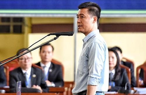 Phan Sào Nam tại phiên tòa sơ thẩm. Ảnh: Phạm Dự.