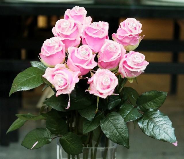 """Hoa hồng """"kim cương"""", một sản phẩm """"độc"""" trong dịp 8/3"""