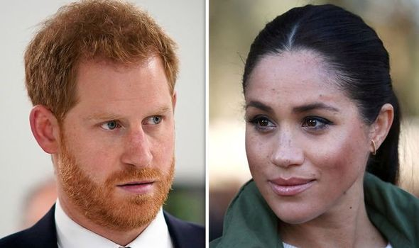 Hoàng tử Harry được cảnh báo hãy cẩn thận với người vợ mang bảo của mình.
