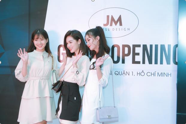 Tại thành phố HCM sự kiện có sự góp mặt của Á Quân The Face 2018 – Trâm Anh và diễn viên Kiều Trinh.