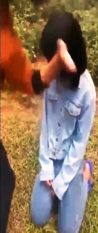 Nhóm nữ sinh bắt bạn quỳ, đánh hội đồng trên địa bàn huyện Diễn Châu, Nghệ An.