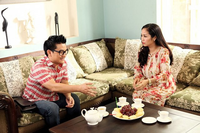 Ngoài sân khấu kịch, MC Ốc Thanh Vân còn hợp tác với cố nghệ sĩ Anh Vũ trong phim Gái ế kén chồng.