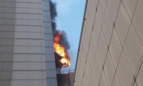 Hiện trường vụ cháy CentralWorld ở Bangkok ngày 10/4. Ảnh: Twitter.
