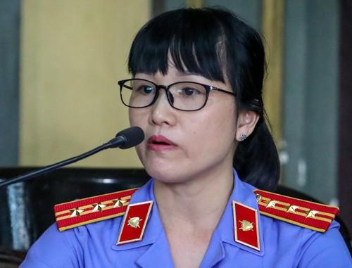 Bà Thảo và ông Vũ tại toà. Ảnh: Thành Nguyễn.