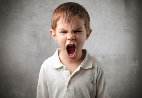Một phản ứng tiêu cực rất thường gặp ở trẻ. Ảnh minh họa