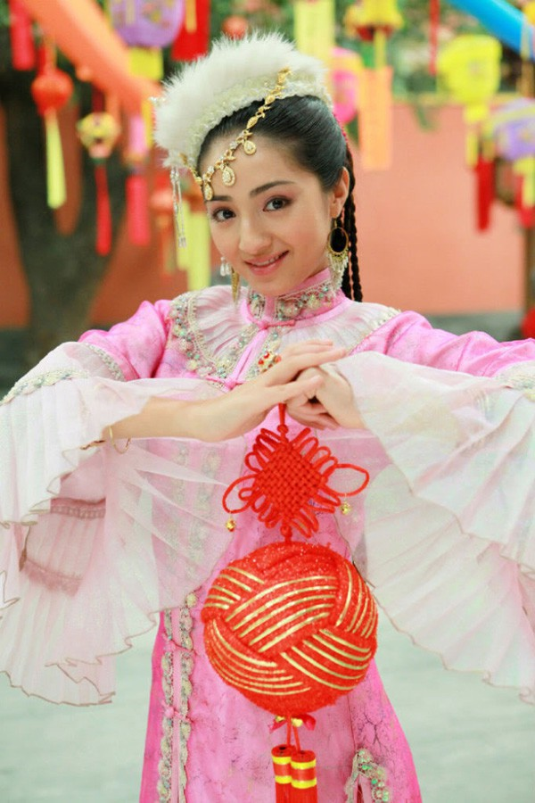 Mạch Đich Na trong vai Hàm Hương