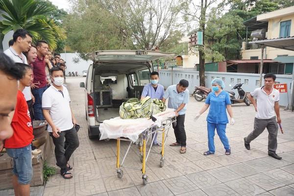 Thi thể nạn nhân được đưa về nhà xác Bệnh viện 198 Bộ Công an.