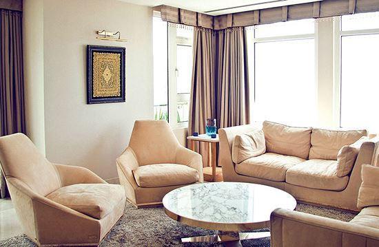 Ngoài biệt thự triệu đô, Giáng My còn sở hữu một căn penthouse trị giá ước tính hàng chục tỷ nằm trên tầng cao nhất của một chung cư cao cấp rất gần trung tâm Sài Gòn.