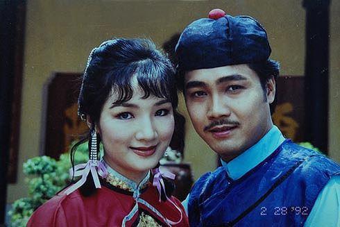 Ngoài ra chị còn để lại dấu ấn trong khán giả với vai trò như ca sĩ, diễn viên, người mẫu ảnh và từng là gương mặt ăn khách nhất nhì showbiz Việt những năm thập niên 90.