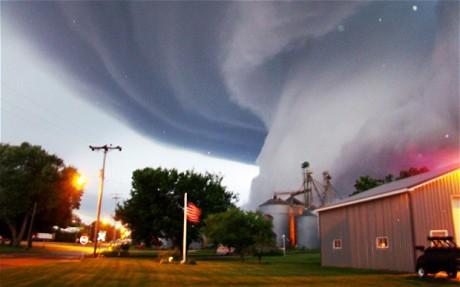 Gần 100 triệu người Mỹ phải đối mặt với tử thần do các cơn bão, lốc xoáy