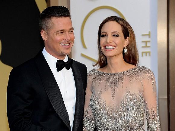 Angelina Jolie và Brad Pitt đã chính thức được khôi phục tình trạng độc thân sau 3 năm đàm phán ly hôn