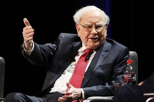 Warren Buffett được coi là nhà đầu tư đại tài, bậc thầy về quản lý tài chính. Ảnh: Observer