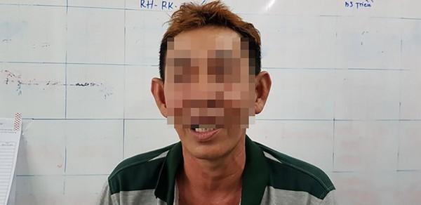 Cha của nạn nhân Y bức xúc chia sẻ với PV. Ảnh: báo Thanh Niên.