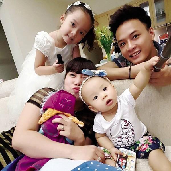 Gia đình hạnh phúc của Hồng Đăng.
