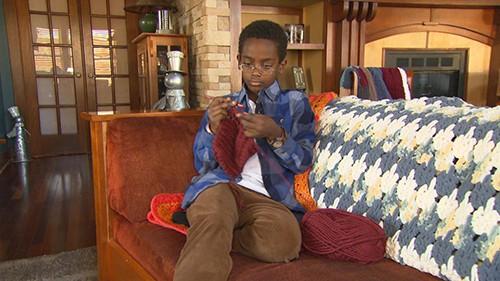 Jonah được chính quyền địa phương mời làm đại sứ nghề truyền thống từ năm 9 tuổi. Ảnh: CBS News.