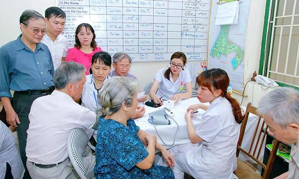 Chăm sóc, phát huy vai trò của NCT là việc làm ý nghĩa trong bối cảnh già hóa dân số đang diễn ra nhanh chóng. Ảnh TL