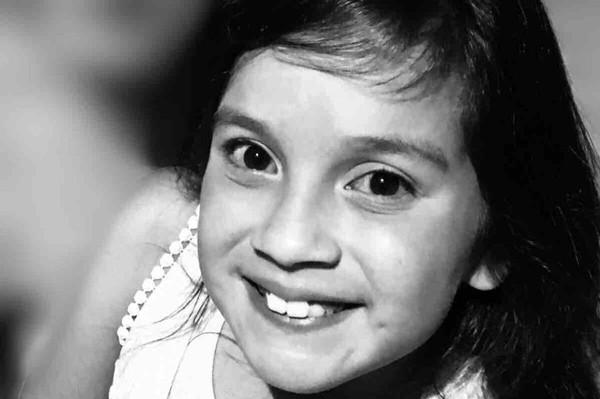 Chân dung cô bé Denise xấu số bị sốc phản vệ vì dị ứng với thành phần trong kem đánh răng trước khi qua đời.