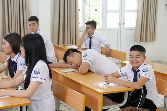 Nhà sản xuất phim Siêu quậy hủy 8 tập phim có hotgirl Trâm Anh và Cu Thóc góp mặt.