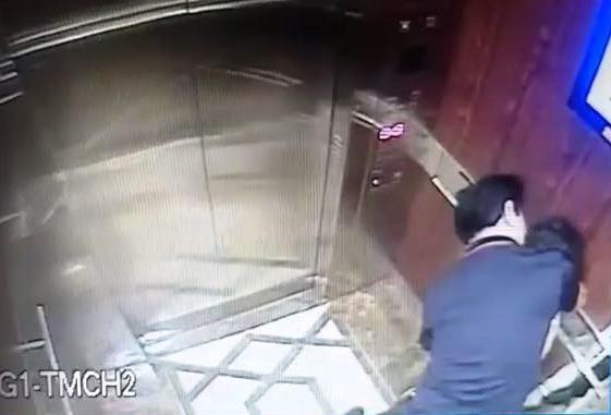 Camera ghi lại hành vi của ông Nguyễn Hữu Linh - Ảnh: Facebook