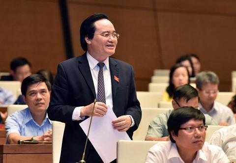 Bộ trưởng Phùng Xuân Nhạ cho biết bộ cương quyết đưa ra khỏi ngành những cán bộ có hành vi gian lận điểm thi cho con em. Ảnh: Ngọc Duy.