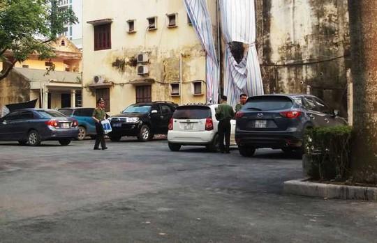 Cơ quan công an khám xét nơi làm việc của 1 số cán bộ thanh tra tỉnh Thanh Hóa