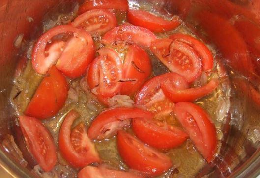 Xào qua cà chua