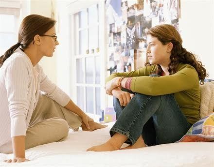 Tuổi dậy thì là thời điểm tốt nhất để cha, mẹ giải thích cho con hiểu về sự đồng thuận trong các mối quan hệ. Ảnh minh họa