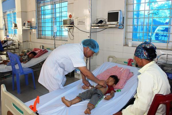 Hai con của chị Thuận đã dần ổn định. Ảnh: Báo sức khỏe đời sống.
