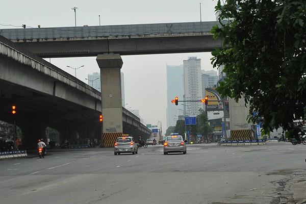 Nút giao Nguyễn Xiển - Nguyễn Trãi, một tâm điểm về ùn tắc giao thông ở những ngày thường.